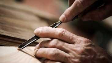 Eccellenze artigiane:il colosso francese Lvmh sceglie il Polimoda di Firenze per la formazione degli artigiani della pelletteria in Italia.