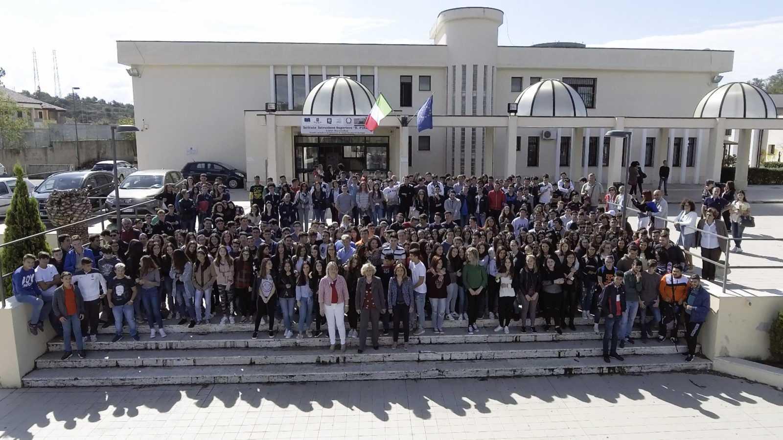 Mariarosaria Russo e studenti Piria di Rosarno