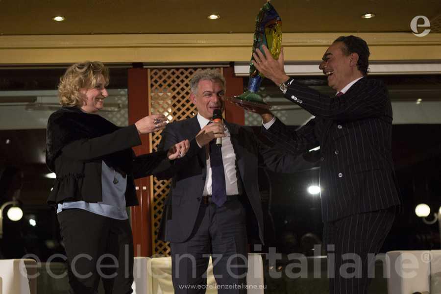 Mariarosaria Russo, premio Eccellenze Italiane con Piero Muscari e Zio Mike.
