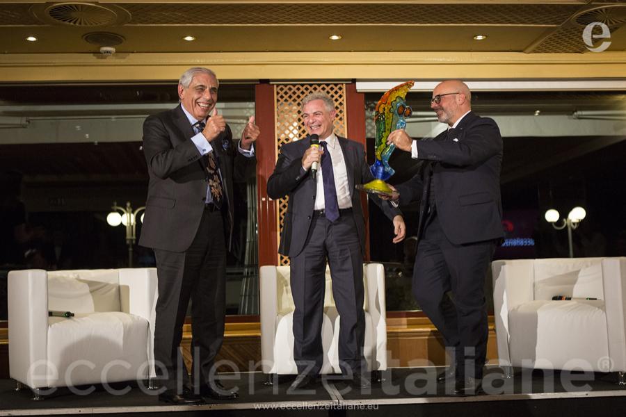 paolo tedeschi consegna premiazione eccellenze italiane