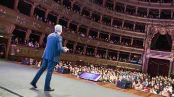 Etour: a teatro va in scena la vita vera | Eccellenze Italiane | eTour
