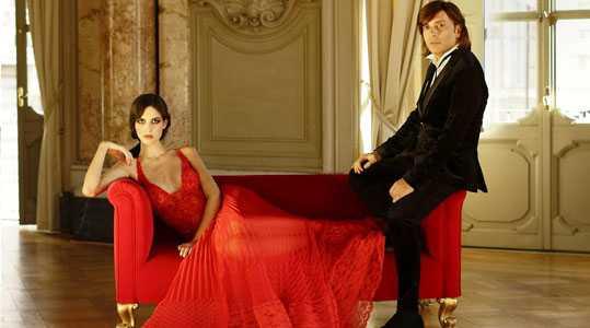Anton Giulio Grande con modella che indossa suo abito