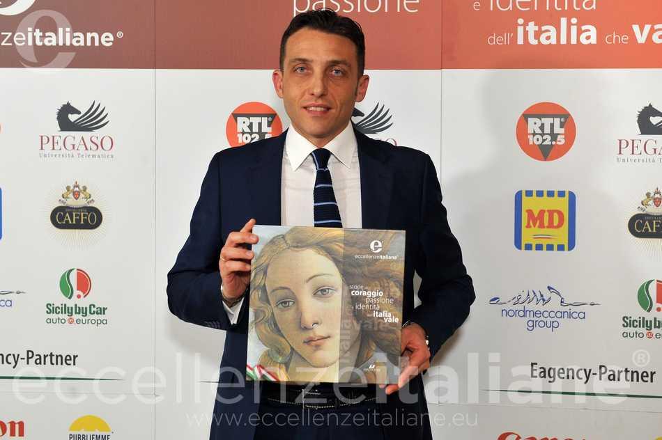 Antonio Minopoli con il volume Eccellenze Italiane 2018