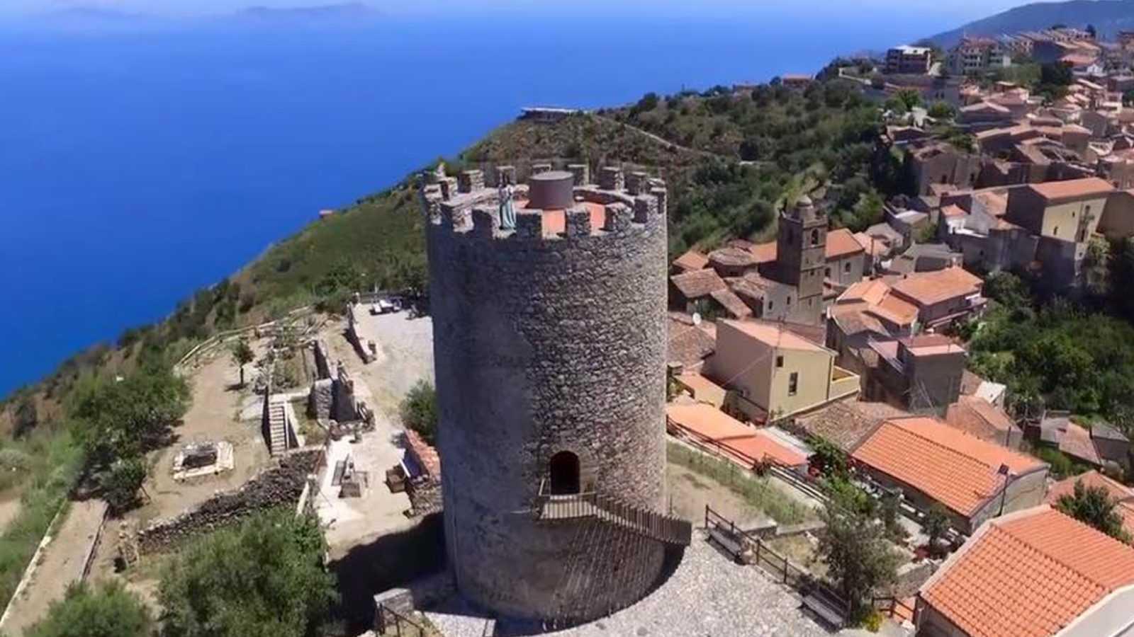 Piraino è la ottava tappa di Etour di Eccellenze Italiane. Anticamente, per la sua bellezza e per il suo clima, Piraino veniva definito la