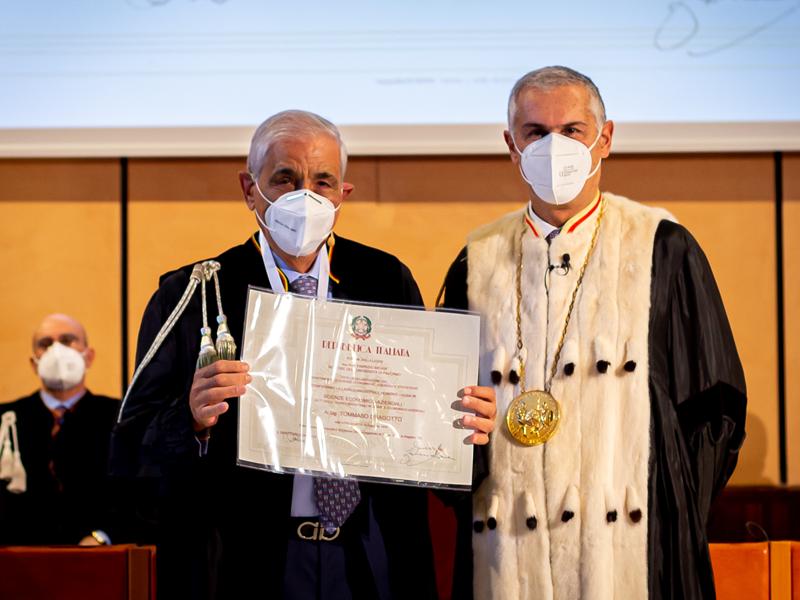 Tommaso Dragotto riceve laurea honoris in Scienze Economico-Aziendali