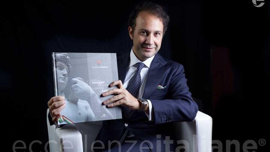 Danilo Iervolino con il volume di Eccellenze Italiane (ed. 2017)