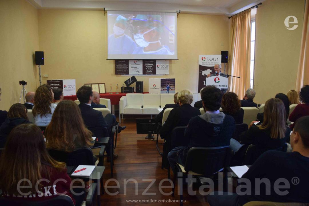 Piero Abbruzzese, uno dei massimi cardiochirurghi infantili, durante il suo intervento ad etour Torino.