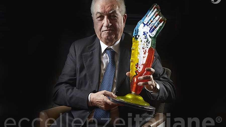 Antonio Cerciello con il premio di Eccellenze Italiane