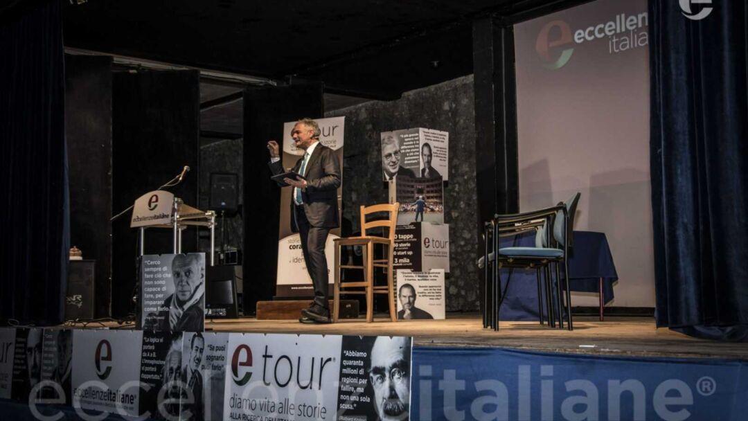 Piero Muscari sul palco di Avezzano