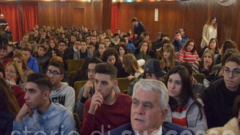 Pubblico e Studenti Etour Barcellona Pozzo di Gotto