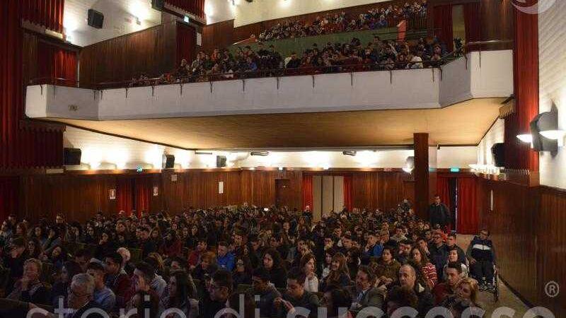 Sala del cinema Etour Barcellona Pozzo di Gotto