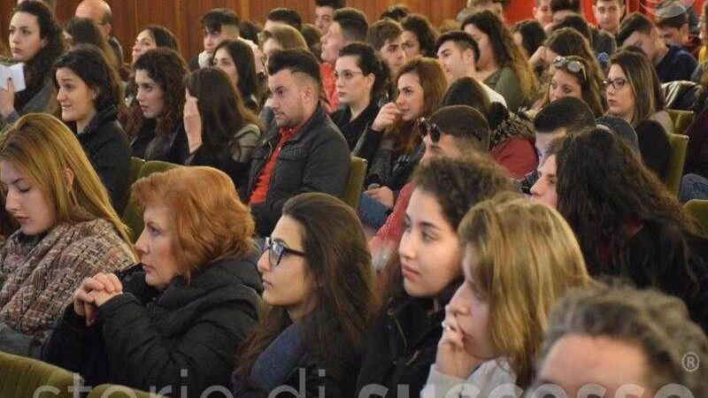 Pubblico Studenti Etour Barcellona Pozzo Di Gotto