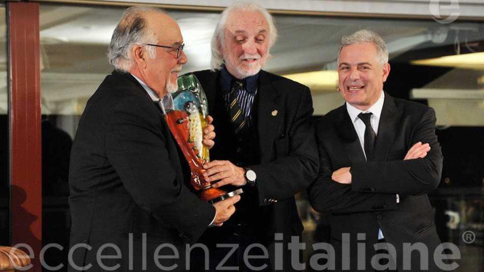 Alessandro Bianchi Premia Fred Gardaphe Eccellenze Italiane Con Piero Muscari