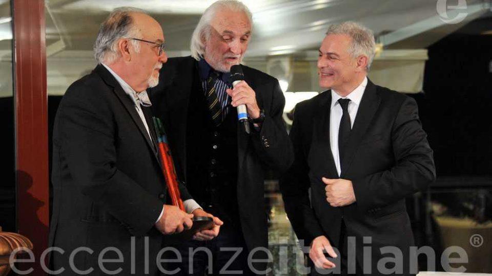 Alessandro Bianchi Premia Fred Gardaphe Eccellenze Italiane Con Piero Muscari3