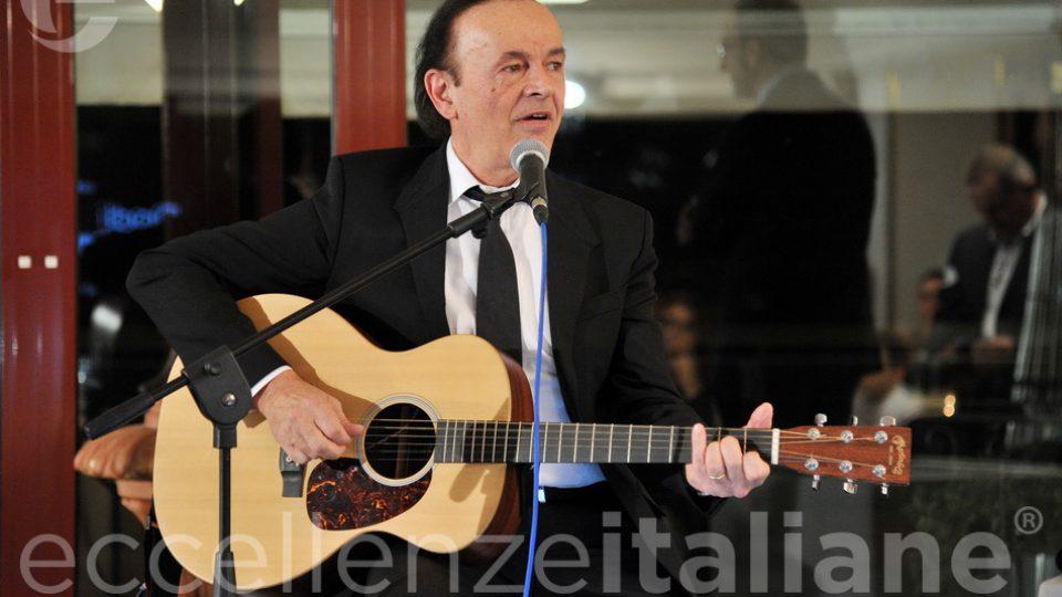 Dodi Battaglia Canta Al Galà Eccellenzeitaliane