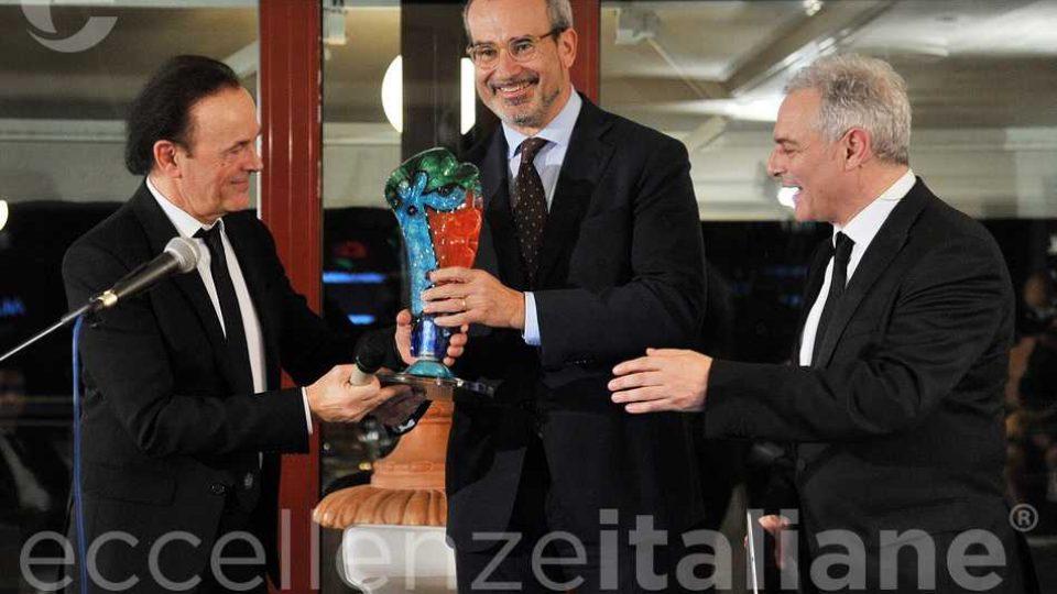 Dodi Battaglia Riceve Premio Eccellenze Italiane2018 Ernesto Dimajo