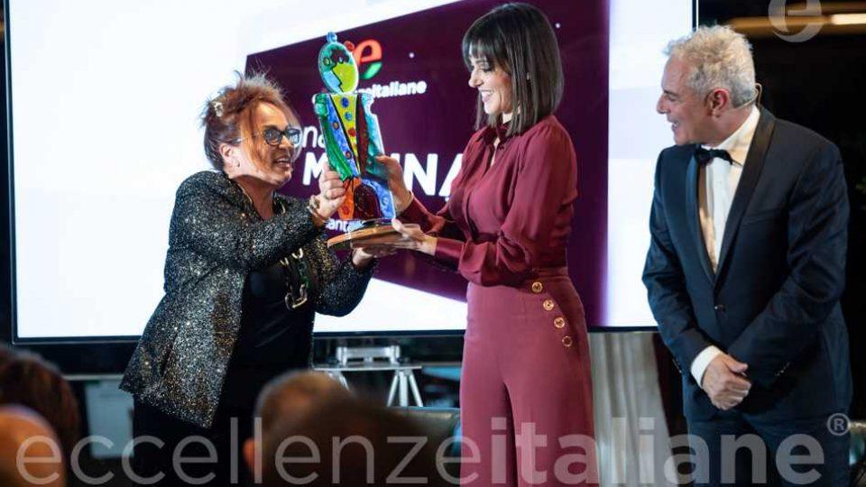 Maria Rosaria Gianni premia Simona Molinari al galà delle Eccellenze Italiane 2019